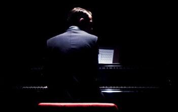 """Νέο Trailer του Θρίλερ """"Grand Piano"""""""
