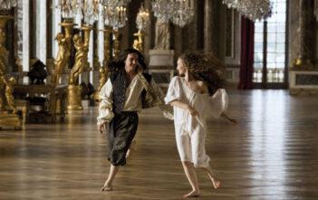 """Το BBC Two Θα Προβάλλει Το """"Versailles"""""""