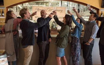 """Πρώτο Trailer Απο Το """"Friends From College"""""""