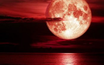 """Πρώτη Ματιά Στο """"Moonfall"""" Του Roland Emmerich"""